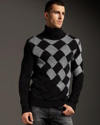 Подскажите, пожалуйста, как связать такой свитер.  Заранее,спасибо!