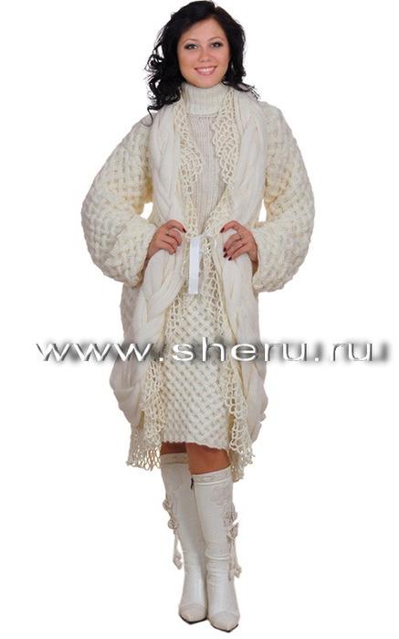 Комплект состоит из пальто и платья.  Код схемы: sh 970.
