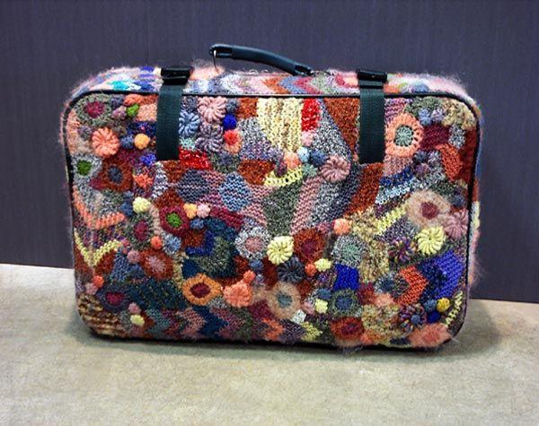 Что нужно: старый чемодан, который пылится у вас в дальнем углу...