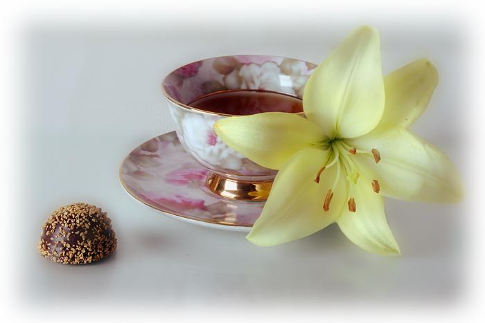 Открытки с лилиями с добрым утром, открытки днем