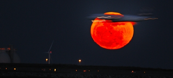 3280811_supermoon_2011_by_soul_18 (554x251, 60Kb)