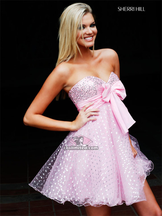 нежно-розовое платье на выпускной.