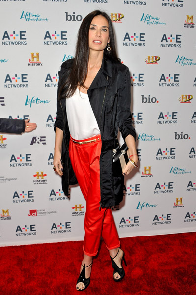 Demi-Moore-2011-AE-Television-Networks-Upfront-Presentation (399x600, 108Kb)