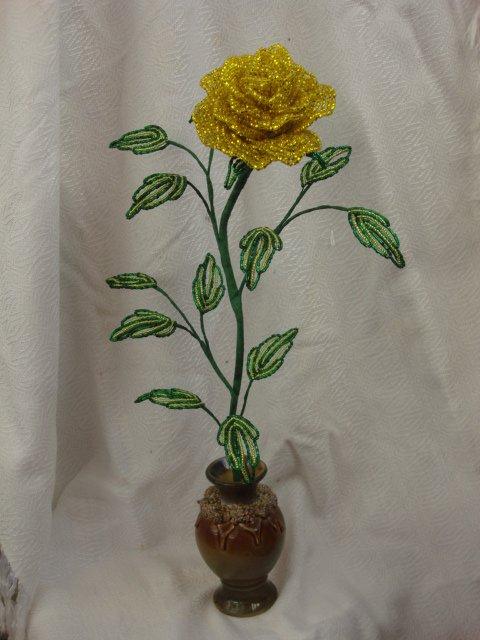розы из бисера схема.