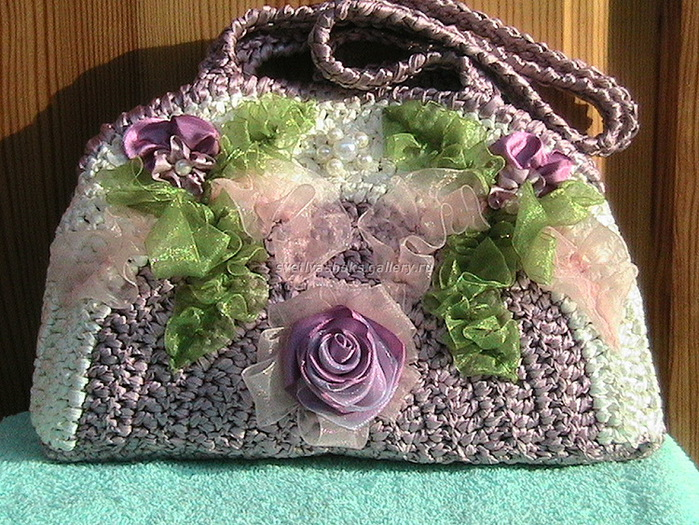 сумочки крючком с цветами.