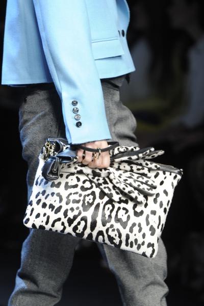 свой цитатник или сообщество!  Модные сумки зима 2012.