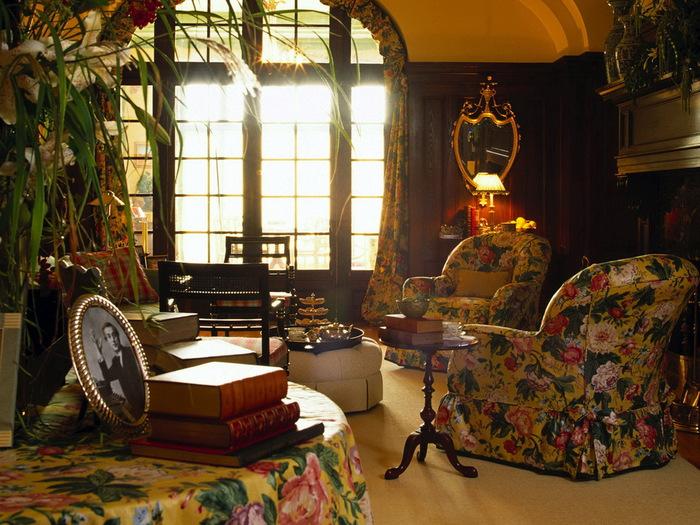 Теги. английский ретро стиль.  Категория. окно. кресла. книги.  Разное.
