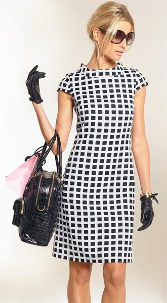 В продаже новые модели платьев фирмы Магнолика.