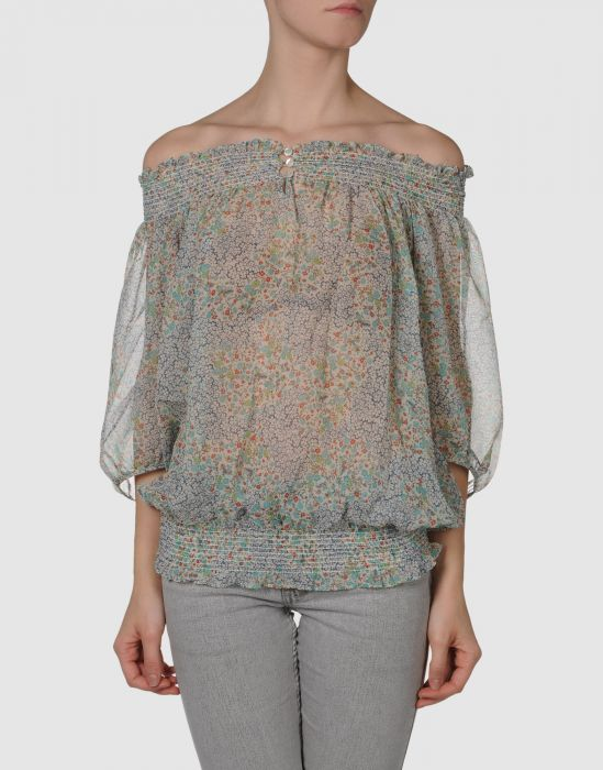 Мода на женские шифоновые блузкиШифоновые блузки никогда не выходили.