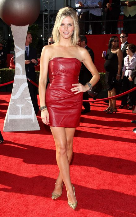 26807_Tikipeter_Brooklyn_Decker_2011_ESPY_Awards_010_123_497lo (438x700, 65Kb)