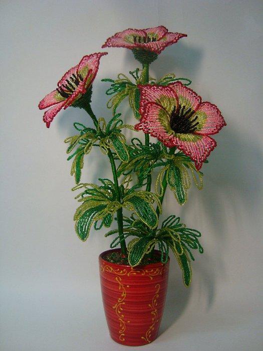Вот по такой схеме плетутся чашелистики будущего цветка из бисера.