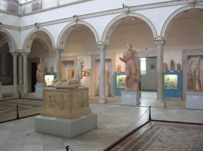 3996158_Bardo_Museum__Carthage_room (700x523, 269Kb)