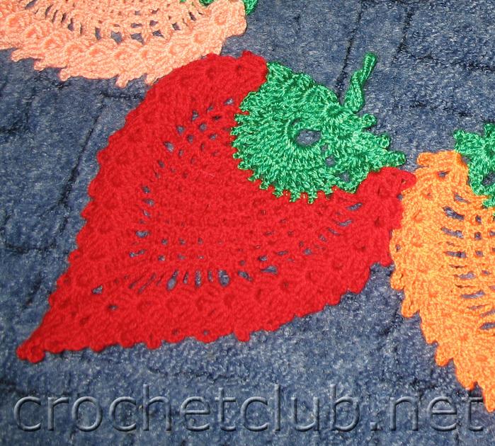 рукоделия: вязание спицами, вязание крючком ... под горячее ''Клубничка...