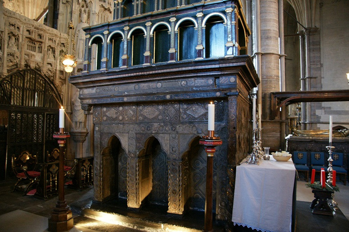 The Shrine of St. Edward the Confessor at Westminster Abbey. (700x465, 227Kb)