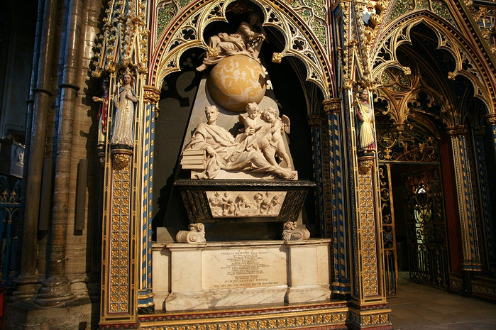 Monument to Sir Isaac Newton at Westminster Abbey. (700x465, 280Kb)