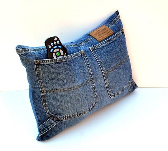 Подушка из джинса своими руками