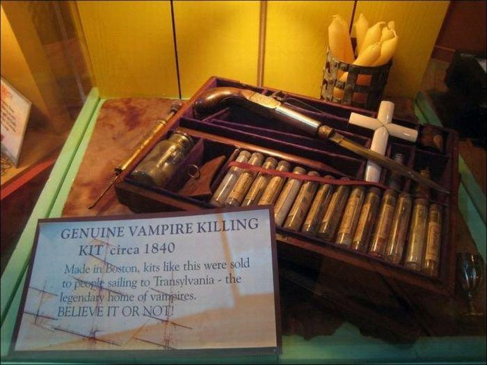 1314624657_real_vintage_vampire_17 (700x525, 63Kb)