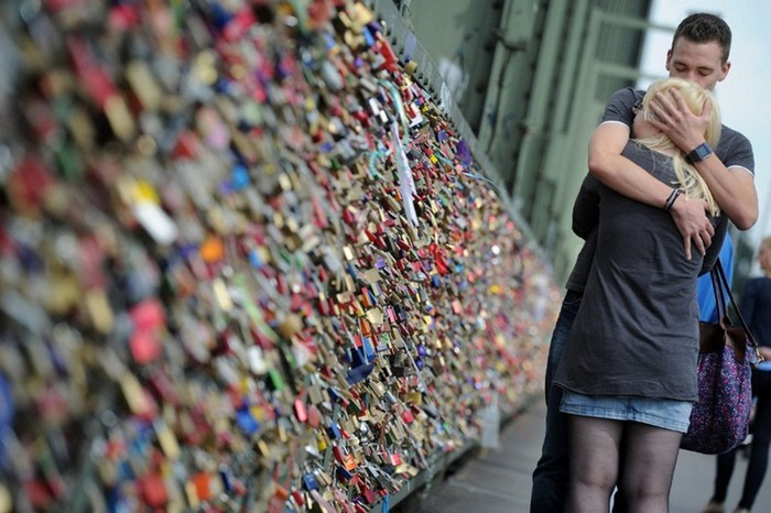 love-locks-1 (700x466, 97Kb)