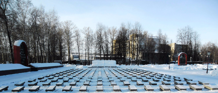Military_memorial_cemetery_in_Yaroslavl_01 (700x301, 286Kb)