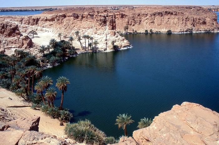 Озера системы Унианга, Чад, Сахара (700x463, 438Kb)