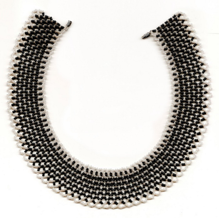 free-beading-necklace-tutorial-pattern-black-white-1 (700x696, 146Kb)
