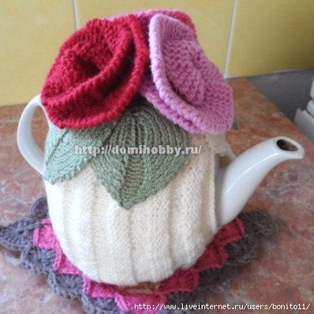 Вязаная грелка на чайник Цветочная