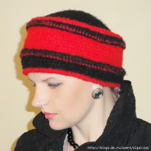 Для вязания шапки нам понадобится 1 моток чёрной пряжи - 50 г и 2 мотка.