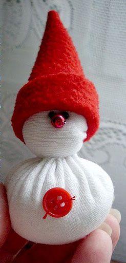 Для изготовления снеговика своими руками вам потребуются: ткань...