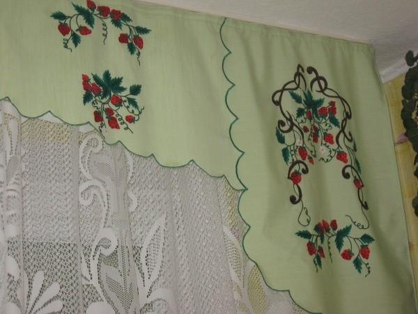 фото шторы для угла с иконами гладью лесу родилась ёлочка