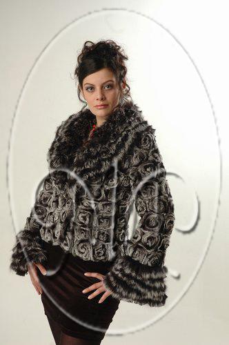 Фотографии шарф вязанный из меха норки крашенной.