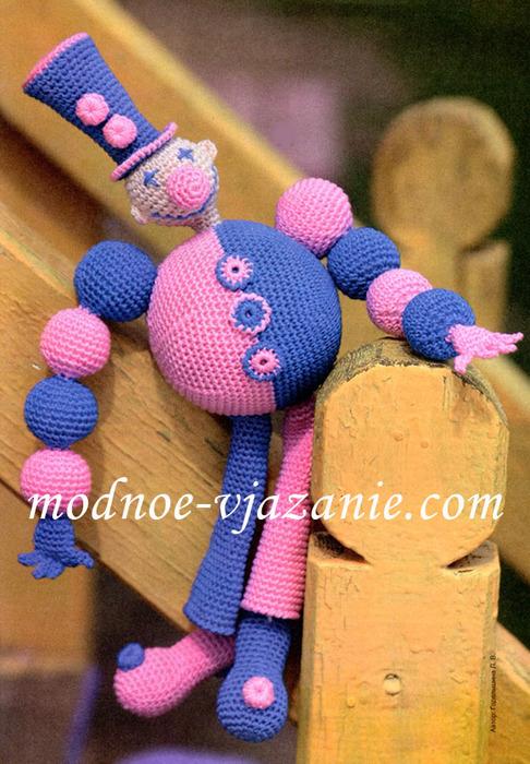 Тамбурное вязание.  Туловище: пряжей синего цвета набрать цепочку из...