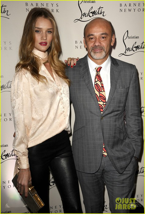 rosie-huntington-whiteley-christian-louboutin-launch-party-02 (475x700, 98Kb)