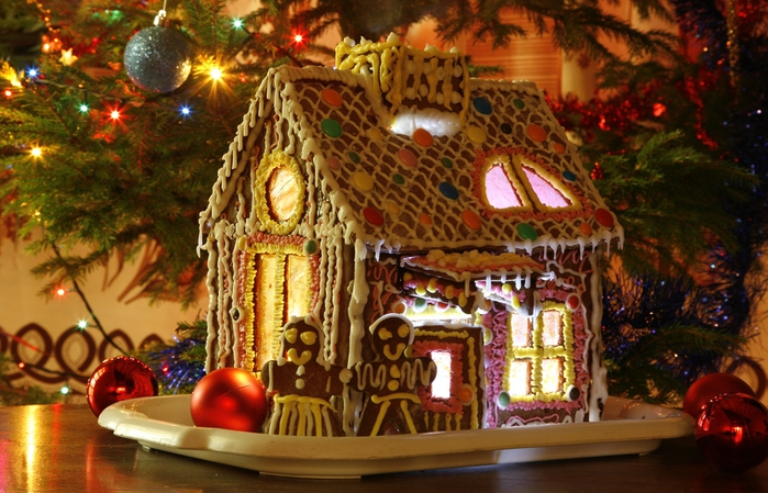 00 Gingerbread_house_by_Xelyn114 (700x449, 297Kb)