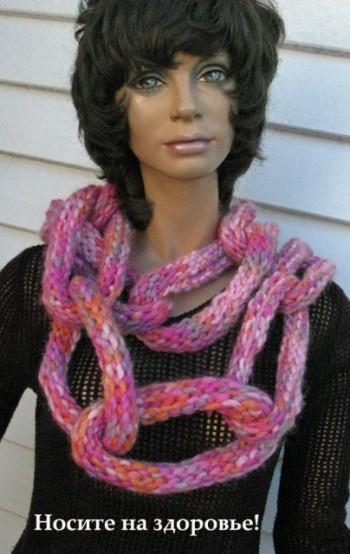 Подборка необычных женских шарфов, связанных спицами.
