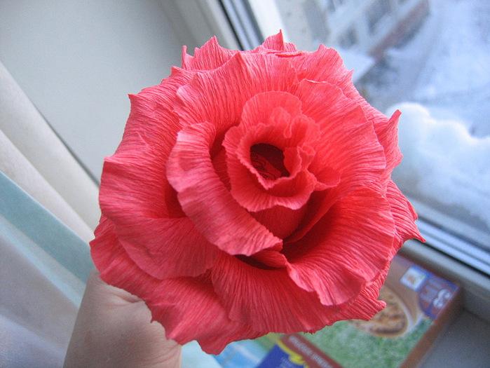 Цветы из конфет и гофрированной бумаги своими руками схемы 60