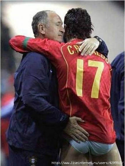 футбол/4295517_1322672948_footballloveandpassionportugal (429x570, 110Kb)