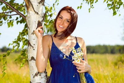 10270071-portrait-of-the-beautiful-woman-at-the-birch-summer-meadow (400x267, 32Kb)