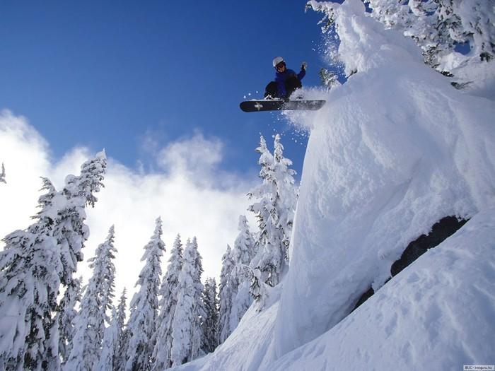 Обои для рабочего стола сноуборд, экстрим, снег, зима скачать бесплатно.