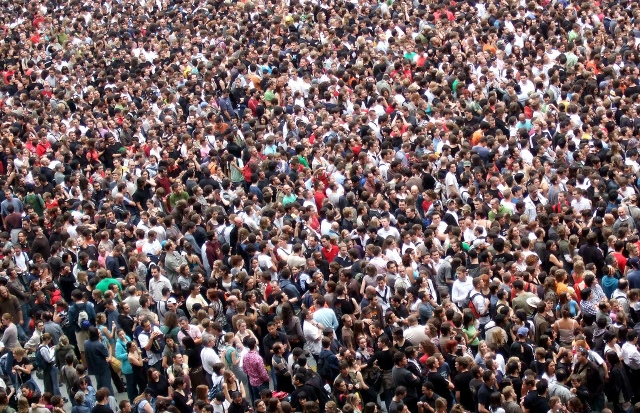 A-picture-of-a-crowd-of-people (640x413, 251Kb)