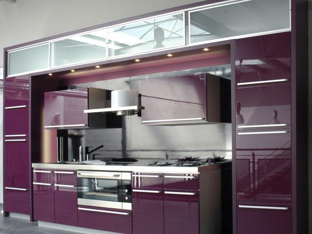 Здесь будут кухни розовые, сиреневые, фиолетовые, цвета фуксии и прочие.