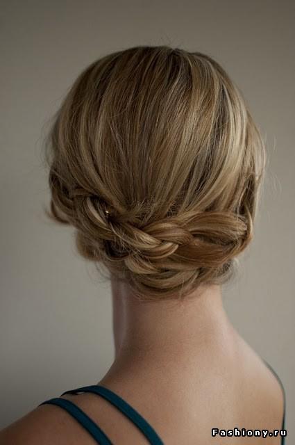 вечерняя прическа на длинные волосы.
