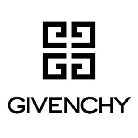 История логотипов модных брендов.