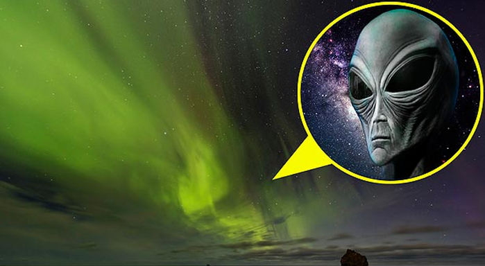 Alien-Face-Spotted-on-Aurora-Photos (700x384, 329Kb)
