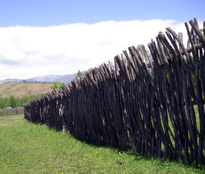 Заборы .Как красиво сделать забор на даче.