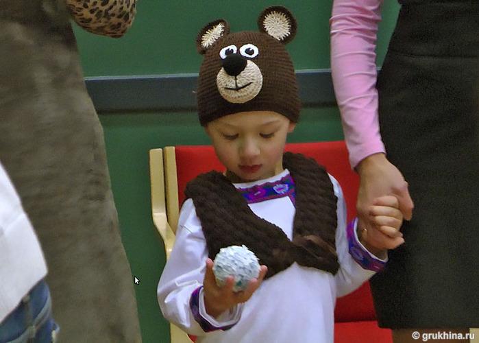 Комментарий: детские шапки зверюшки крючком со схемой.