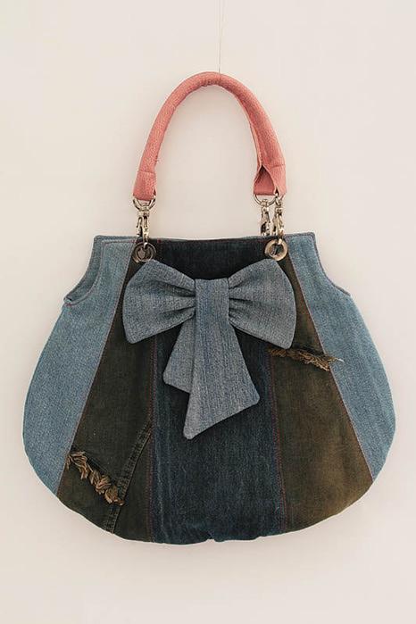 Шьем модную сумку из старых джинсов.