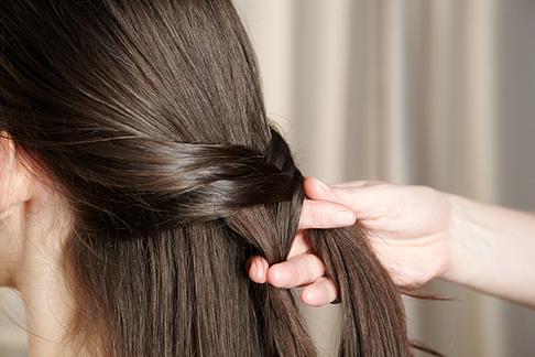 Как заплести косу рыбий хвост.  Fishtail_Braid.jpg3