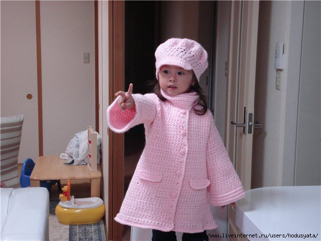 вязаные пальто для девочек схемы