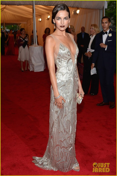camilla-belle-2012-met-ball-09 (466x700, 89Kb)