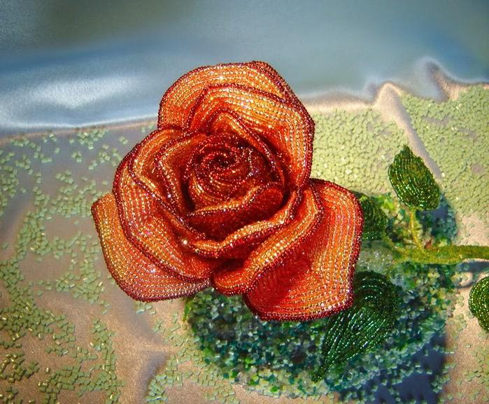 ... розу из бисера роза из бисера.